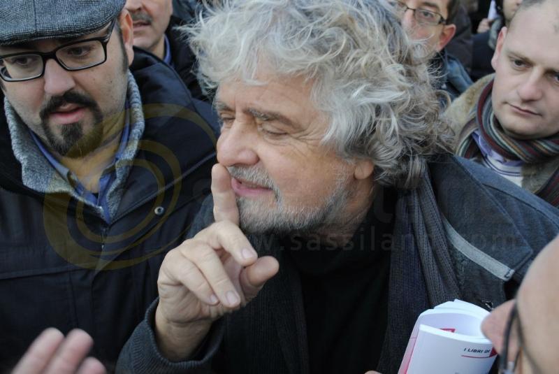 Beppe Grillo a Matera - 22 dicembre 2012 (foto SassiLand)