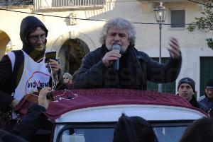 Beppe Grillo a Matera - 22 dicembre 2012 (foto SassiLand) - Matera