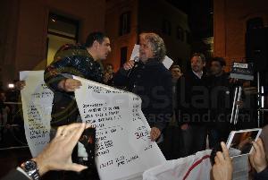 Comizio di Beppe Grillo a Matera e dei candidati alle regionali - 14 novembre 2013 (foto SassiLand) - Matera