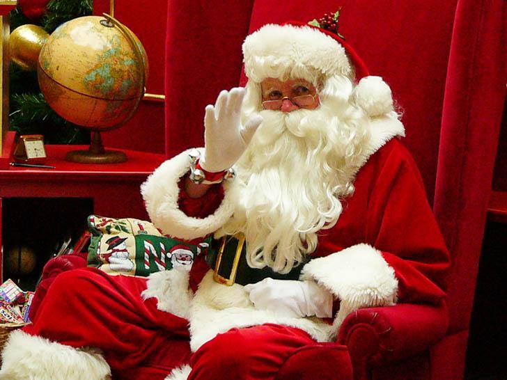 Babbo Natale 7 Cervelli.L Aiutante Di Babbo Natale Natale Al Circo Intrattenimento