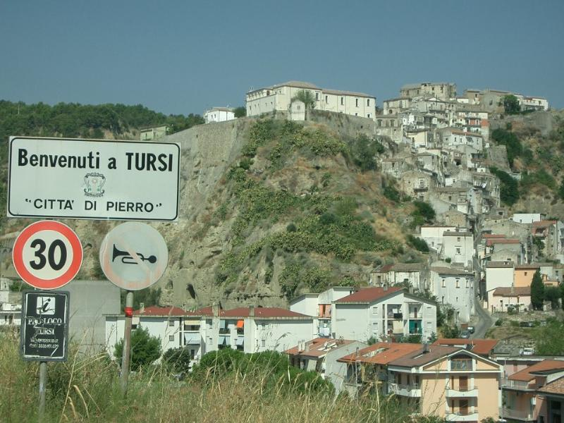 Tursi (foto Enzo Malaspina)