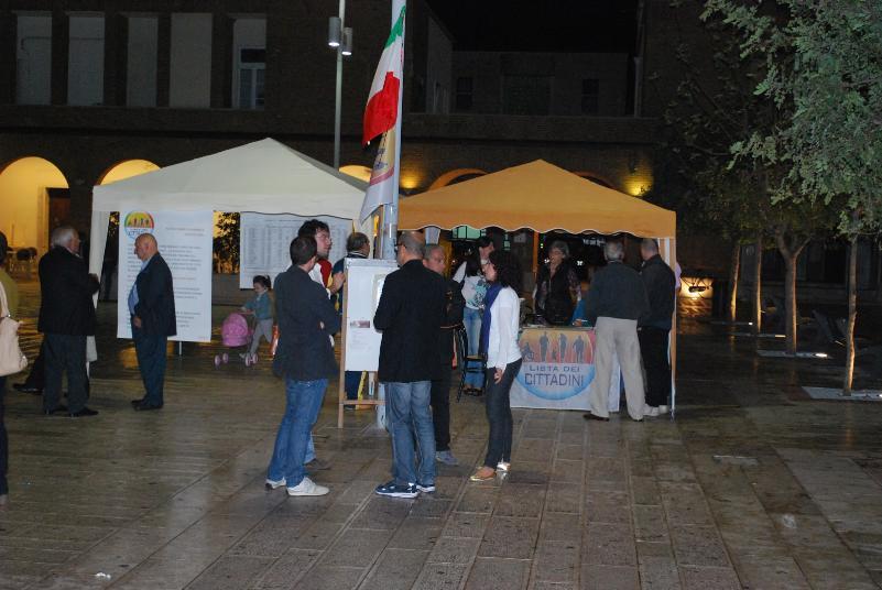 Gazebo Lista dei Cittadini in piazza Elettra a Marconia
