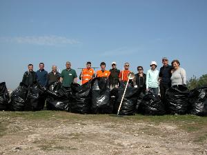 Raccolta rifiuti organizzata da Trekking Falco Naumanni - Matera