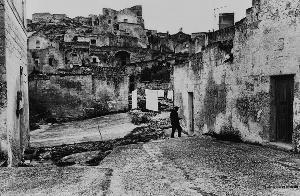 Piazze d'Italia - fotografie di Pepi Merisio - Matera