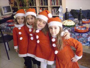 le quattro cuginette che feseggiano la festa più bella del mondo!