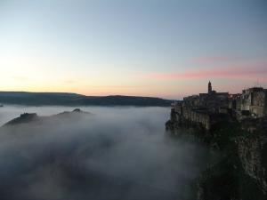 Matera nella foschia del freddo mattino...bellissima...sembra di stare in paradiso con tutte le nuvolette intorno!!