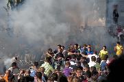 Ed ecco che allo sparar dei mortaretti la gente mostra tutta la loro gioia della festa che inizia.  By Vincenzo Nicoletti