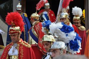 i cavalieri dopo la benedizione di Don Biagio