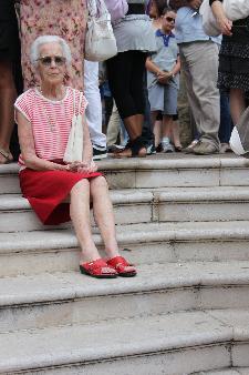 quanto dolcezza e stile si possono avere anche così... riposando su un gradino ...