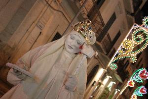 Festa della Bruna con statua della liberta