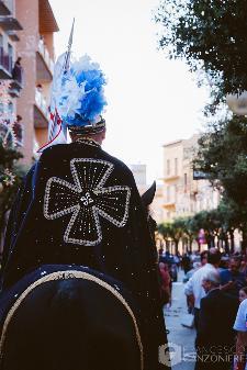 Il mantello blu di un cavaliere  ©Francesco Canzoniere 2013 | photographer