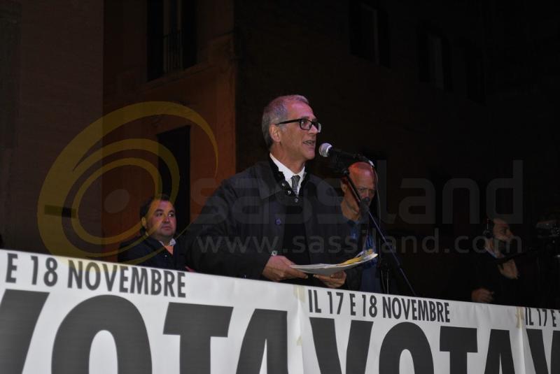 Maurizio Bolognetti per La Rosa nel Pugno a Matera - 9 novembre 2013 (foto SassiLand)