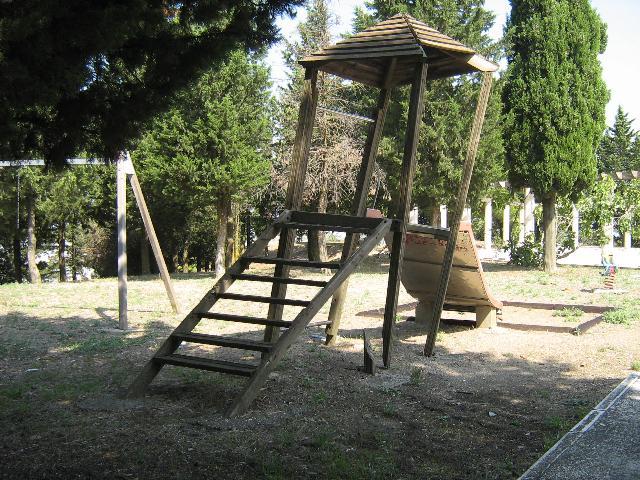 Giochi nel quartiere di Serra Venerdì