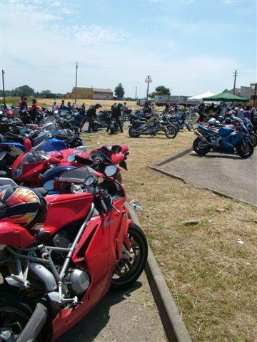 GRANDE PARTECIPAZIONE AL MOTORADUNO DI SCANZANO JONICO