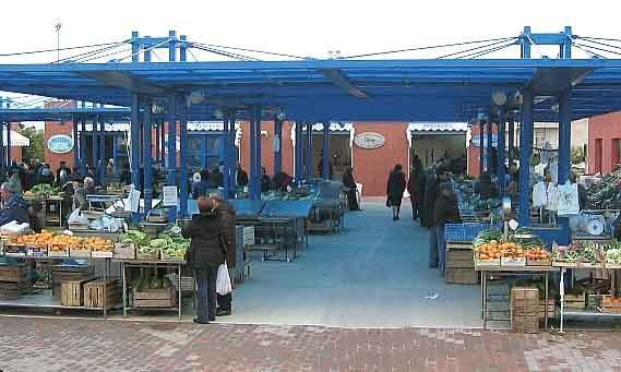 Mercato del quartiere di Piccianello (foto martemix)