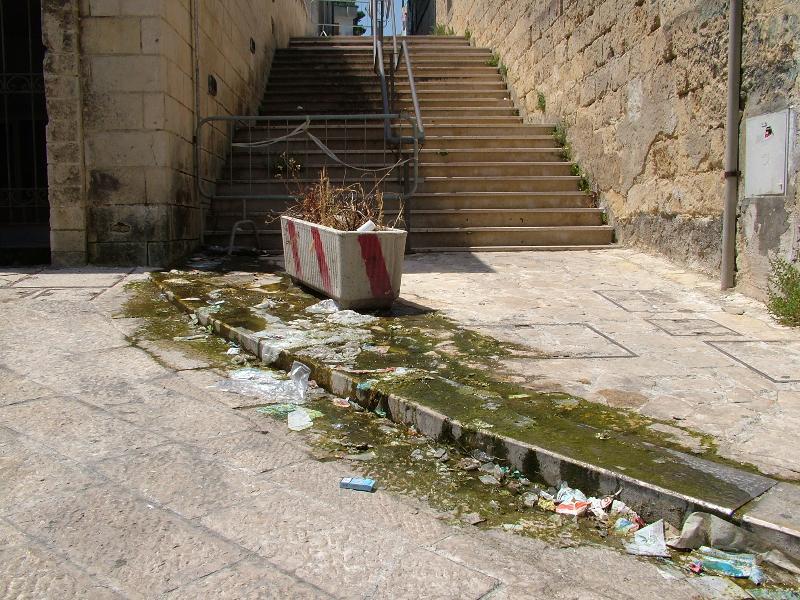 VIA CASALNUOVO IN FORTE DEGRADO (foto martemix)