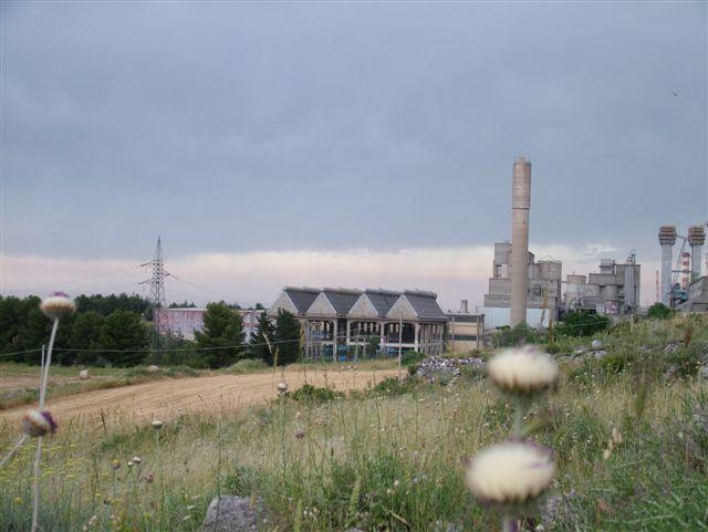Lo stabilimento Italcementi (foto Martemix)