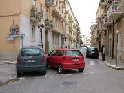Incidente in via Cappelluti tra due auto