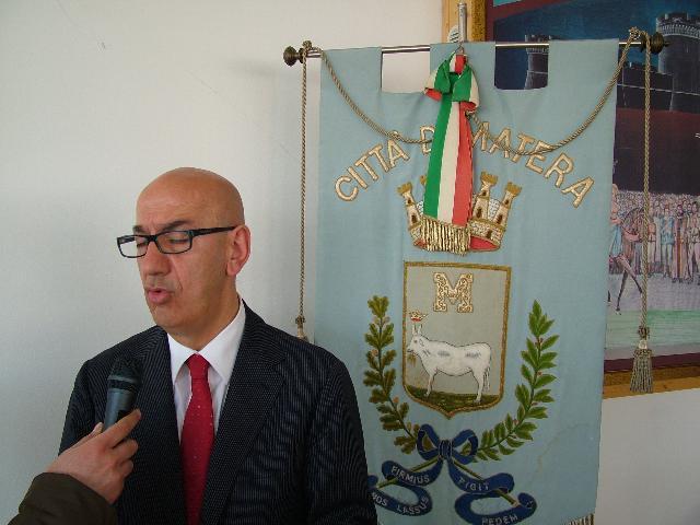Il sindaco adduce vittima di una aggressione