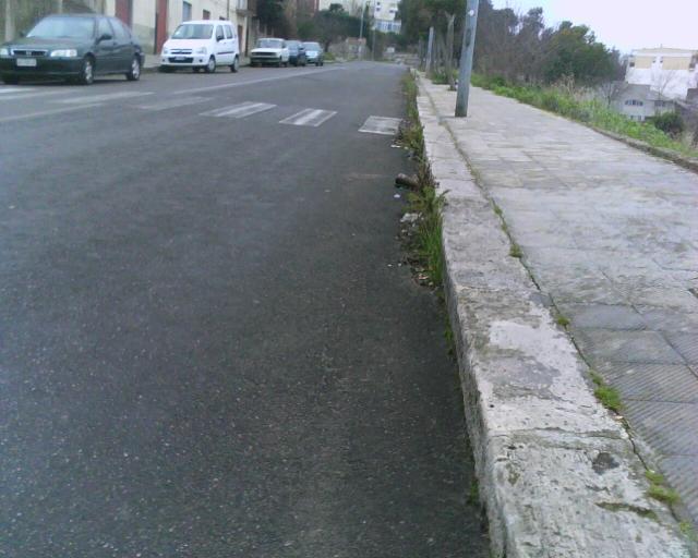 Strade urbane a Matera, via Passarelli (foto martemix)