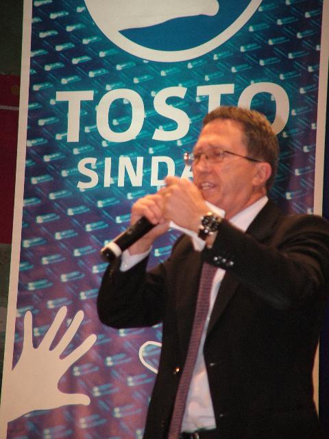 TOSTO FA FURORE IN PIAZZA