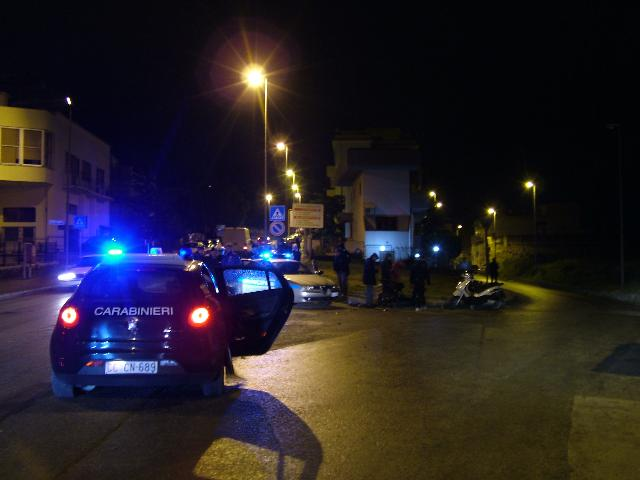 Incidente tra auto e scooter in via Cappuccini (foto martemix)