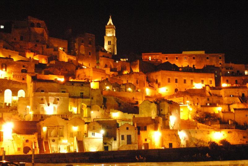 Atmosfera natalizia nei Sassi di Matera (foto SassiLand)