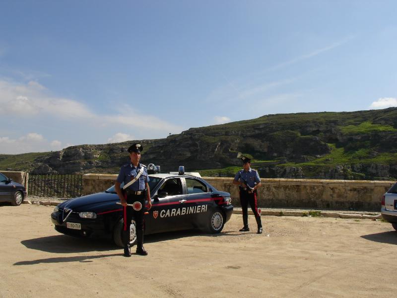 Carabinieri - posto di blocco nei Sassi di Matera