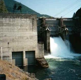 Foto di repertorio. Centrale idroelettrica