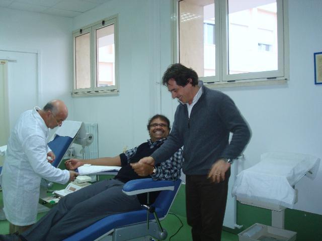 Don Mark ed Enzo alla donazione