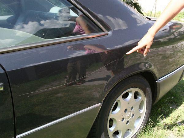Graffio su auto