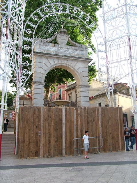 La Fontana Ferdinandea chiusa per la Festa della Bruna 2010