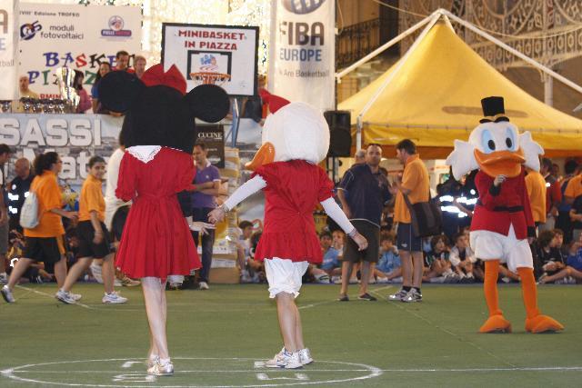 Momenti della minibasket in piazza 2010
