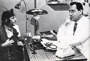 Alberto Sordi nella parte del medico - Matera