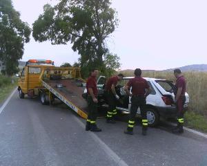 la rimozione del veicolo (foto martemix)