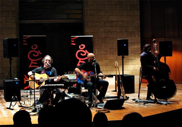 Concerto dei Bermuda Acoustic Trio - 17 aprile 2011