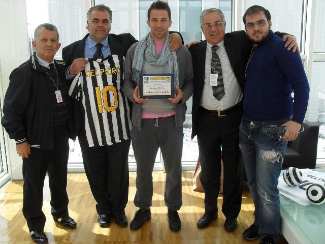 Consegna del premio ad Alessandro Del Piero