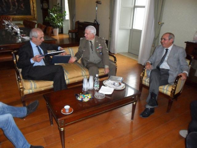 Franco Stella incontra il generale Domenico Scaglione