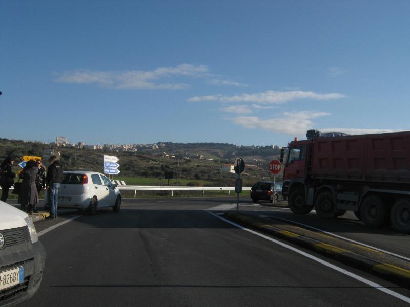 Incidente sulla strada per La Martella - 28 dicembre 2011 (foto Martemix)