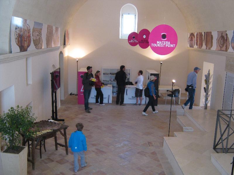 L´info point di Santa Lucia nei Sassi di Matera (foto Martemix)