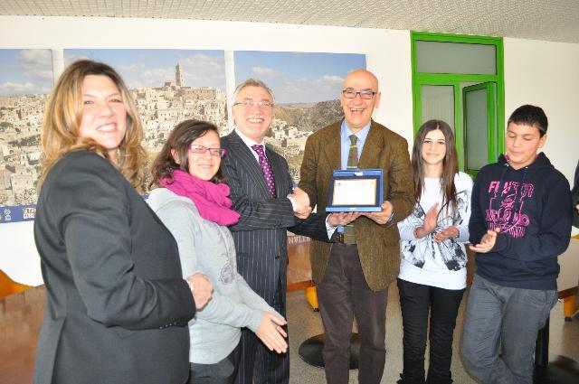 Premiazione della scuola media Pascoli per progetto su diritti di cittadinanza