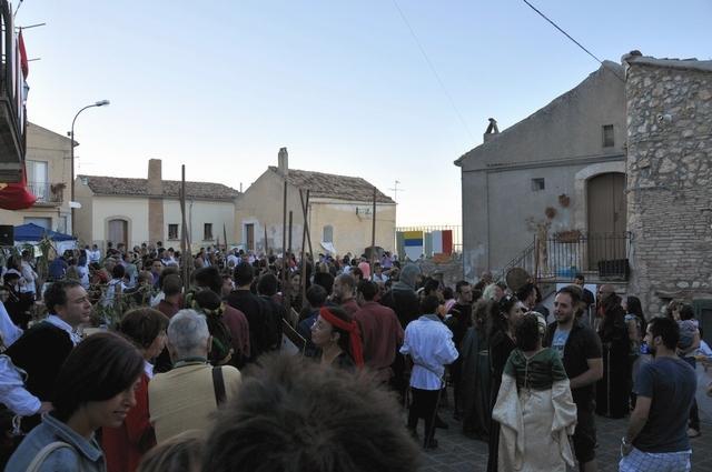 """Pubblico a """"La Leggenda del drago"""" 2011 a Stigliano"""