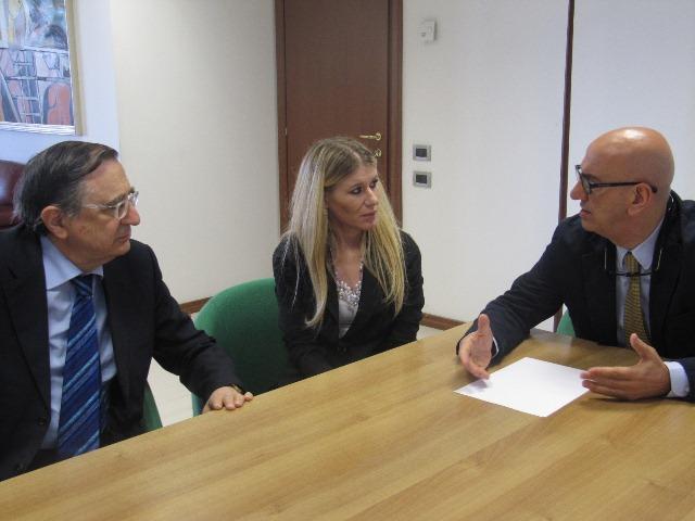 Salvatore Adduce incontra il difensore civico regionale, Catello Aprea, e Carmela Risimini, dell´ufficio del difensore civico regionale