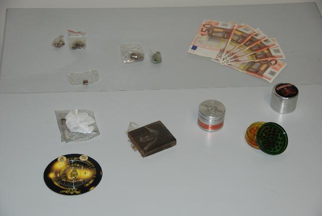 Stupefacenti sequestrati dalla Guardia di Finanza di Matera - 4 maggio 2011