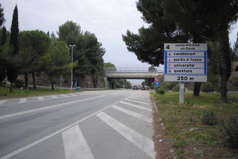 Via Appia, uscita Matera Nord