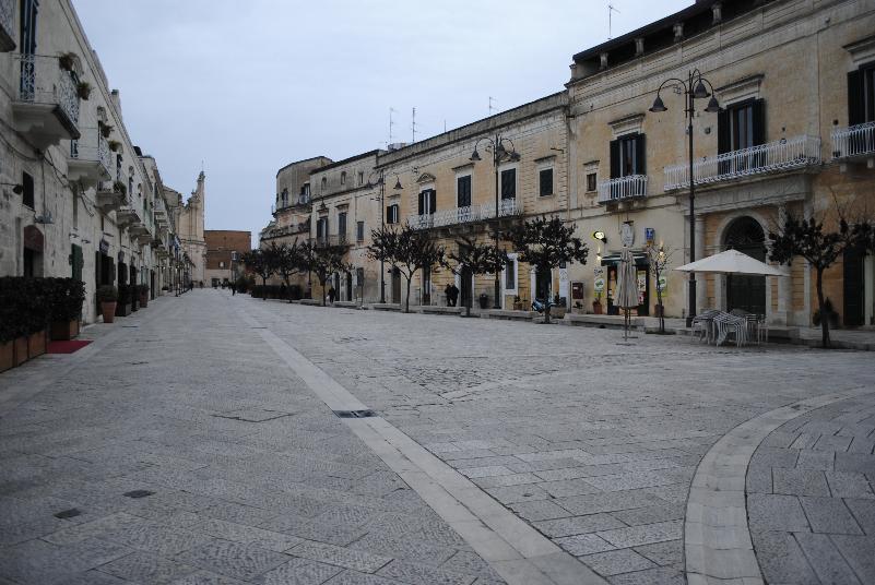 Via Ridola e piazzetta Pascoli - Matera (foto Gianni Cellura)