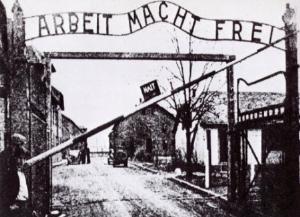 Arbeit Macht Frei -  ingresso del campo di concentramento di Auschwitz - Matera