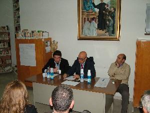 L´incontro con i cittadini di via Casalnuovo (foto Martemix)
