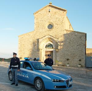 Pattuglia della Polizia a Pisticci - Matera