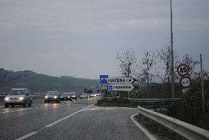 Via Appia, uscita Matera Sud (foto Gianni Cellura) - Matera